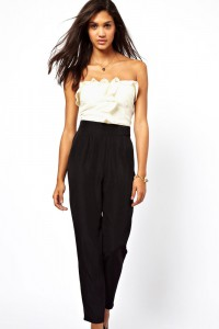 Combinaison pantalon noire et blanche