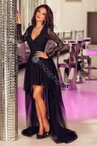 Robe noire jupe asymétrique