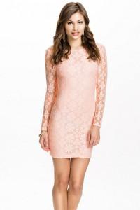 Robe dentelle rose clair