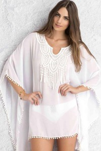 Robe de plage blanche avec broderie