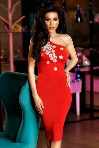 Robe asymétrique, rouge
