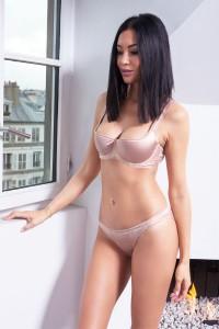 Ensemble lingerie soutien-gorge et culotte effet satin, beige