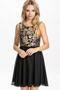 Robe patineuse noire & sequin or