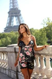 Pyjashort motifs fleurs noir