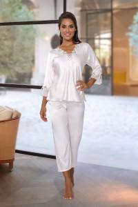 Pyjama satiné blanc