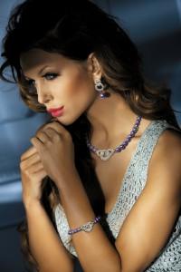 Colliers de perles avec strass