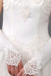 Paire gants mariage