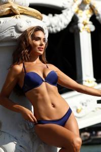 Ensemble lingerie bleu marine