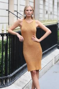 Robe en maille orange métallisée or