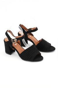 Sandales à talons noires