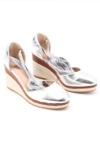 Sandales argentés à talons compensés