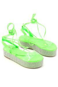 Sandales compensées vertes