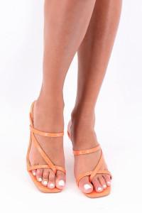 Sandales à talons oranges