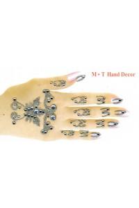 Bijoux de corps petites mains