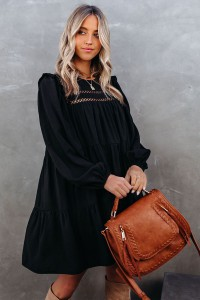 Robe noire à manches longues