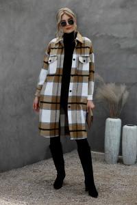Manteau kaki à carreaux