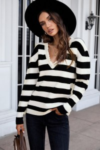 Pull a rayures noire et blanche