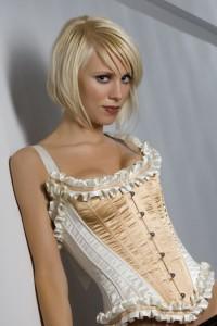 Ensemble corset et string effet froufrou